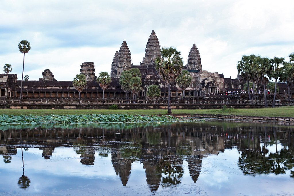 1-25-16-Blame-it-on-Mei-Miami-Fashion-Travel-Blogger-Cambodia-Angkor-Wat-Siem-Reap-Khmer-Ancient-Empire