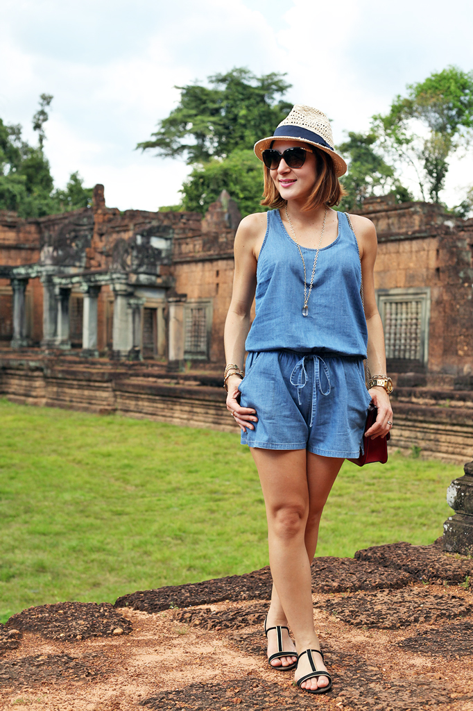 2-1-16-Blame-it-on-Mei-Fashion-Travel-Blogger-Pinterest-Cambodia-Banteay-Samre-Hindu-Temple-Complex-Angkor-Siem-Reap-Khmer-Ancient-Empire-1-1024