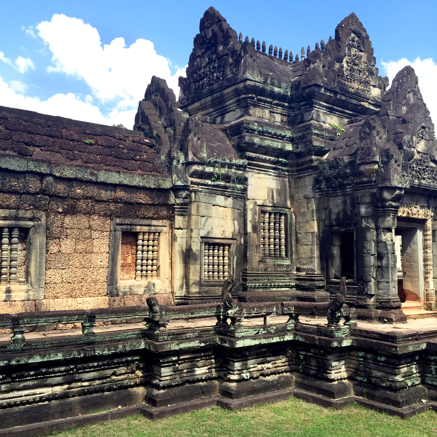 2-1-16-Blame-it-on-Mei-Fashion-Travel-Blogger-Pinterest-Cambodia-Banteay-Samre-Hindu-Temple-Complex-Angkor-Siem-Reap-Khmer-Ancient-Empire-11-1024