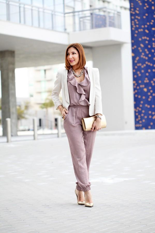 2-12-16-Blame-it-on-Mei-Fashion-Blogger-2016-Valentines-Day-Inspiration-Look-Rose-Quarz-Jumpsuit-White-Blazer-LV-Louis-Vuitton-Clutch-Louboutin-Metallic-Gold-Pumps