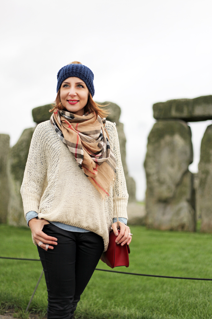 2-24-16-Blame-it-on-Mei-Fashion-Travel-Blogger-London-UK-England-Stonehenge-Monument-Winter-Burberry-Scarf-Oversize-Sweater-Buckle-Boots-Coated-Jeans-Valentino-Rockstud-Pom-Beanie-