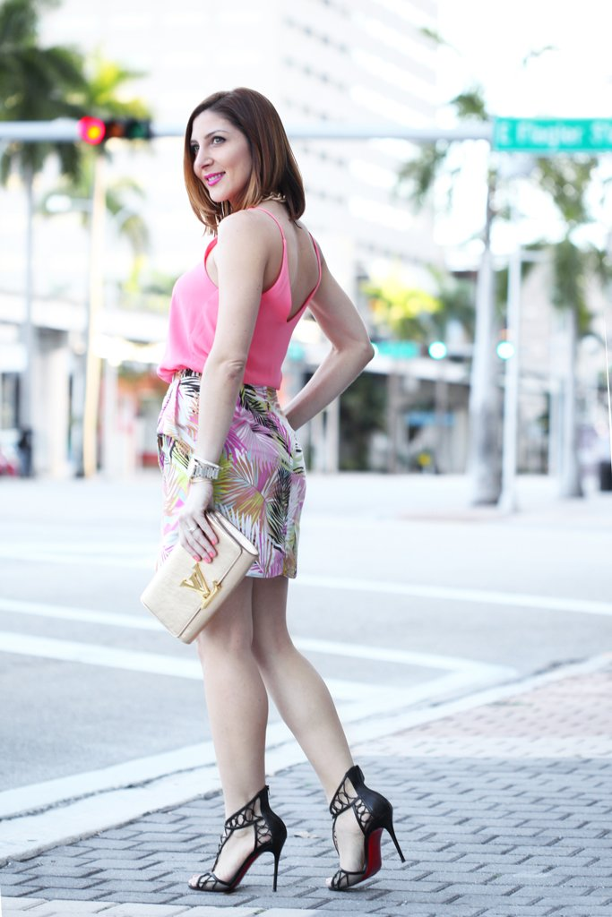 Blame-it-on-Mei-Miami-Fashion-Blogger-2016-Spring-Outfit-Idea-Spring-Look-Inspiration-Palm-Print-Skirt-Louis-Vuitton-Metallic-Gold-Clutch--YSL-Arty-Ring-Loubotin-Sandals
