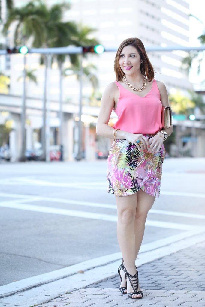 Blame-it-on-Mei-Miami-Fashion-Blogger-2016-Spring-Outfit-Idea-Spring-Look-Inspiration-Palm-Print-Skirt-Louis-Vuitton-Metallic-Gold-Clutch--YSL-Arty-Ring-Loubotin-Sandals