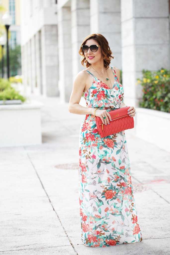 Blame-it-on-Mei-Miami-Fashion-Blogger-2016-Spring-Outfit-Casual-Look-Maxi-Dress-Florals-Coral-Clutch-Louis-Vuitton-Cateye-Sunglasses-Soft-Waves-Short-Hair