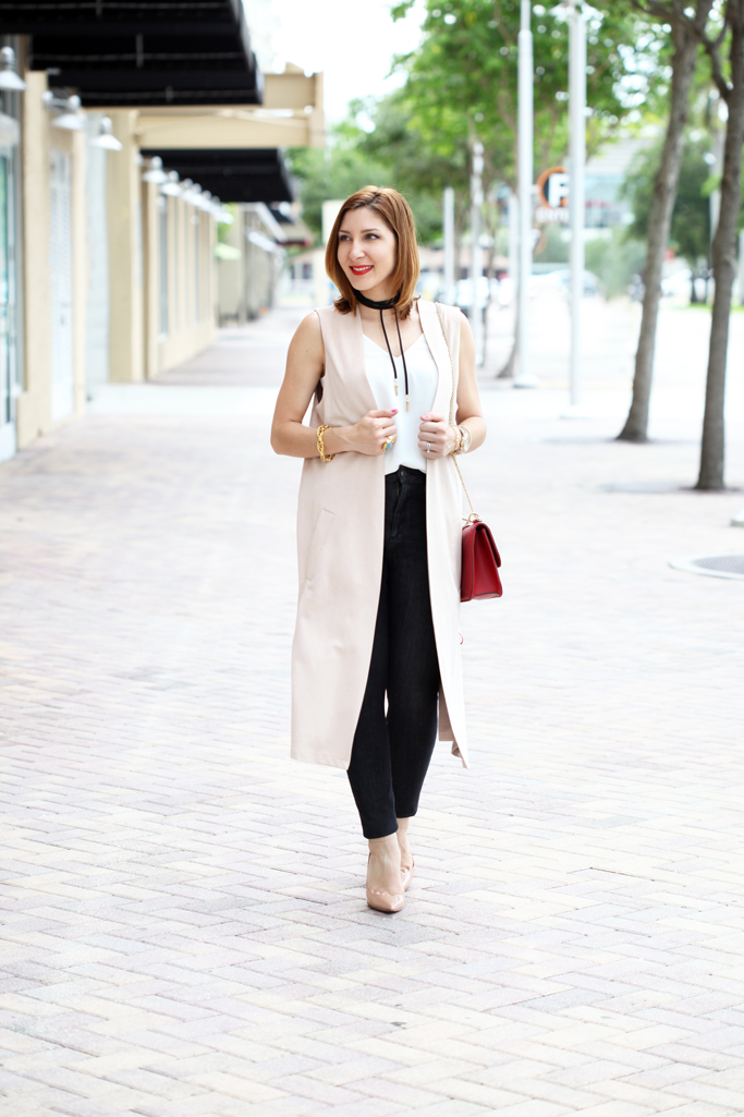 Blame-it-on-Mei-Miami-Fashion-Blogger-2016-Spring-Look-Summer-Casual-Outfit-Dark-Denim-Louboutin-Blush-Pupms-Long-Vest-with-Baublebar-Chocker-Valentino-Rockstud-Crossbody