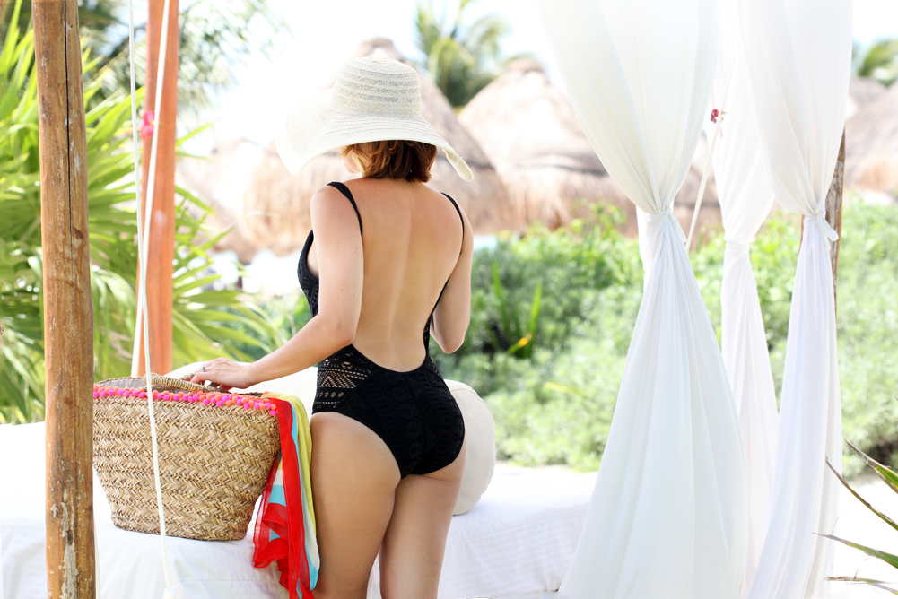 Blame-it-on-Mei-Miami-Fashion-Blogger-2016-Colorful-Cover-Up-One-Piece-Swimsuit-Beach-Look-Pom-Pom-Bag-Turquoise-Kendra-Scott-Carey-Earrings-Secrets-Maroma-Riviera-Maya-Tropical-Destination
