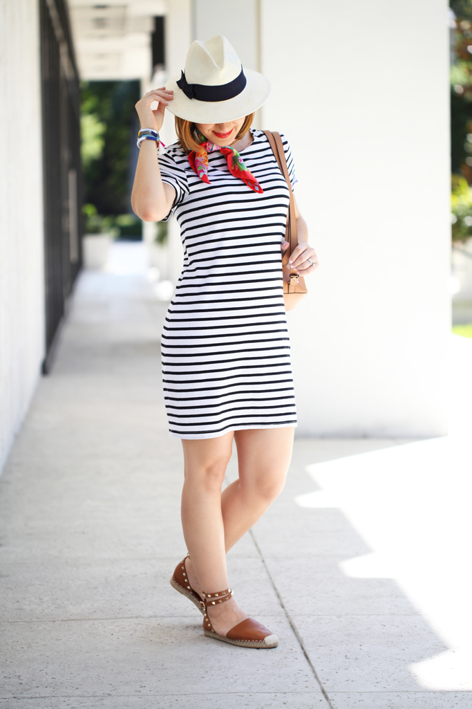 Blame-it-on-Mei-Miami-Fashion-Blogger-2016-Stripe-Casual-Dress-Summer-Look-Travel-Outfit-Neck-Scarf-Panama-Hat-Fedora-Henri-Bendel-Bookbag-Valentino-Rockstud-Espadrille-
