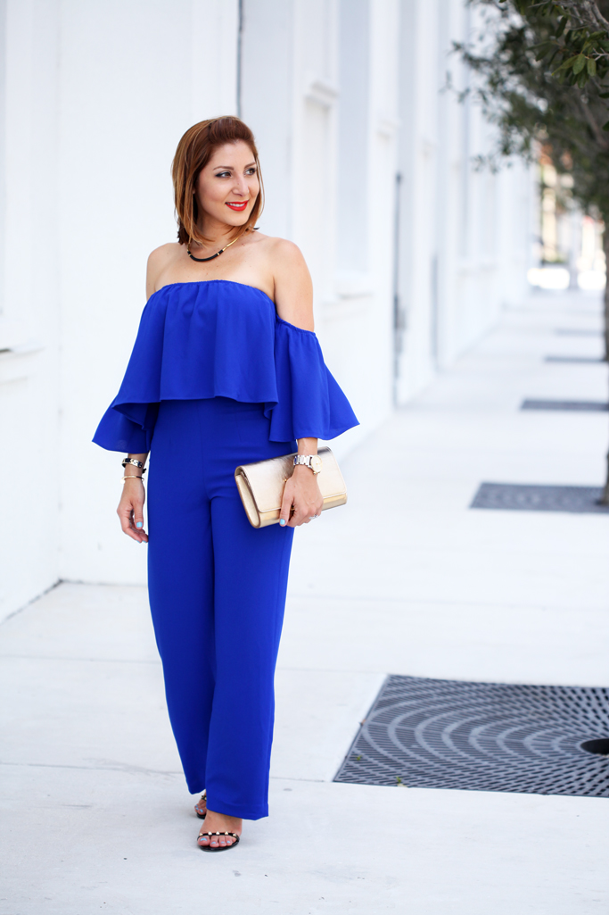 Blame-it-on-Mei-Miami-Fashion-Blogger-2016-Off-The-Shoulder-Jumpsuit-Summer-Look-Stella-&-Dot-Leather-Marcell-Collar-Gold-Luitton-Louise-Clutch-Valentino-Rockstud-Sandal
