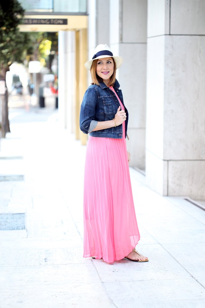 Blame-it-on-Mei-Miami-Fashion-Travel-Blogger-San-Francisco-2016-Chicwish-Long-Pleated-Chiffon-Dress-Panama-Hat-Denim-Jacket-Gold-Sandals-Gucci-Soho-Disco-Travel-Outfit-Look