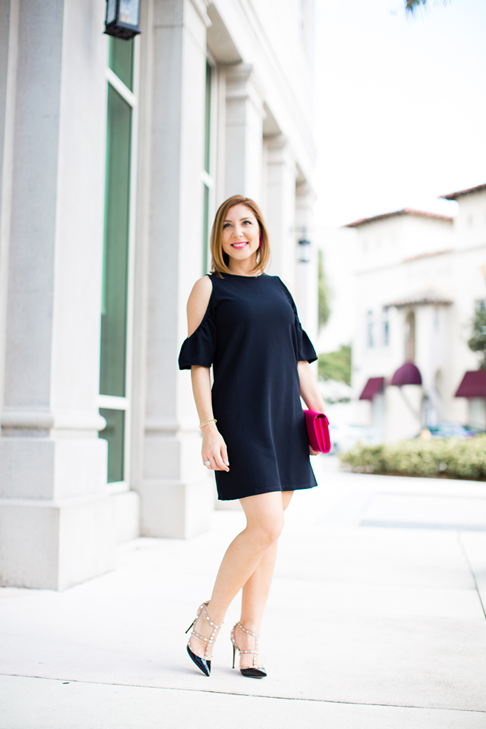 Blame-it-on-Mei-Miami-Fashion-Blogger-2016-Black-Cold-Shoulder-Dress-Classy-Look-Elegant-Wedding-Outfit-YSL-Fuschia-Clutch-Valentino-Rockstuds-Sandals-
