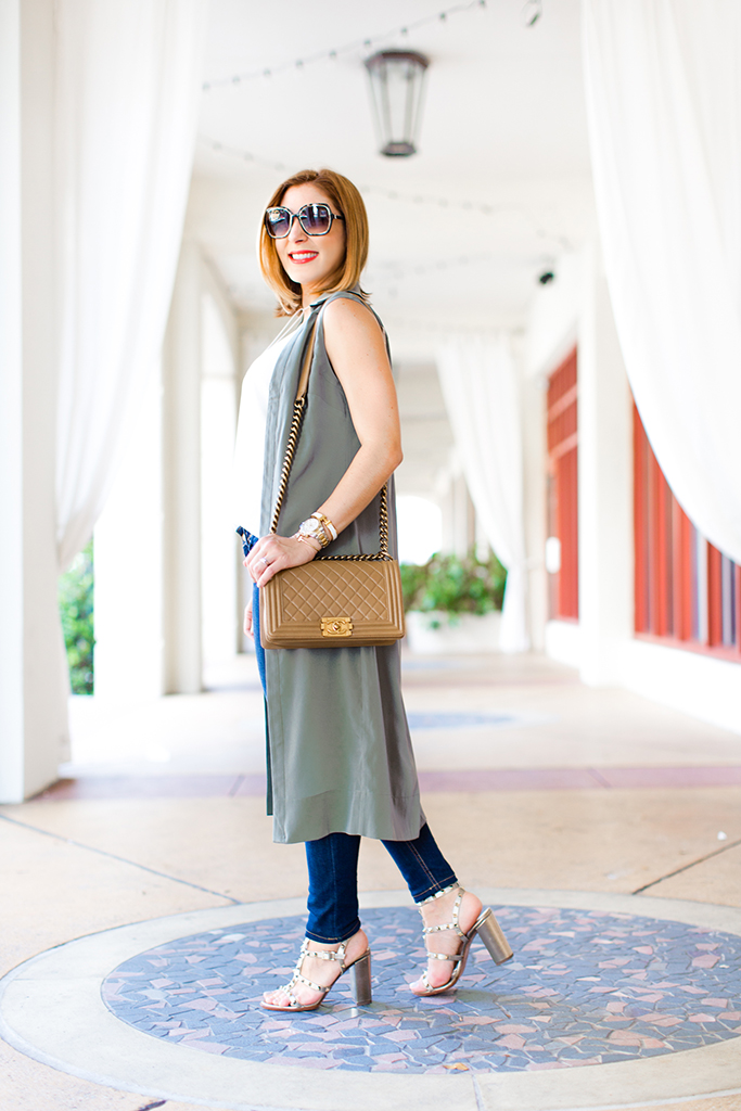 Blame-it-on-Mei-Miami-Fashion-Blogger-2016-Army-Green-Duster-Olive-Green-Long-Vest-with-Jeans-White-Choker-Valentino-Rockstud-Metallic-City-Sandals-Chanel-Boy