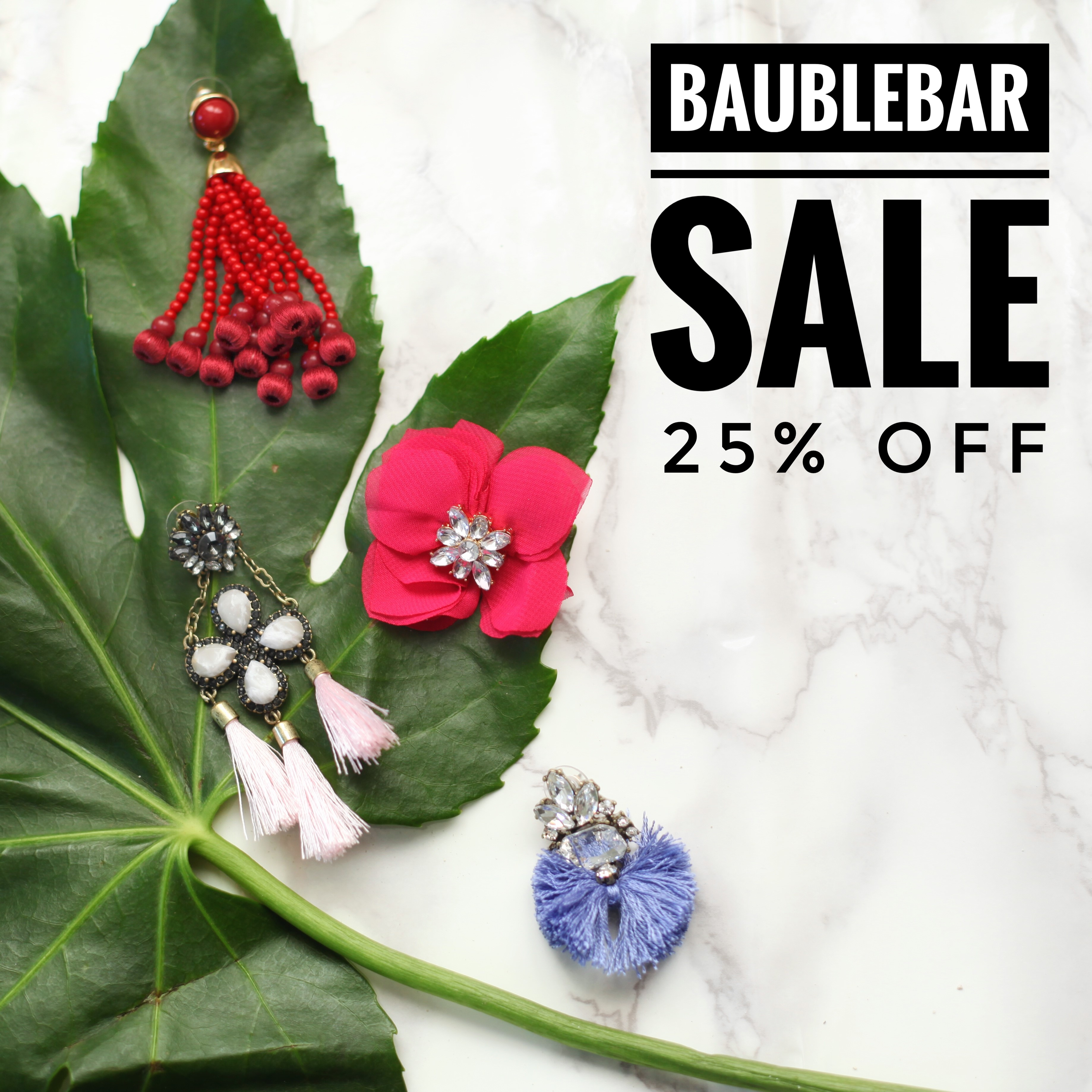 BaubleBar, one of the best online retailers for affordable jewelry, hosted a VIP Preview of their Winter Sample Sale today and luckily, I was able to attend after work! Located near the Flatiron District, the sample sale was held at the BaubleBar Headquarters.