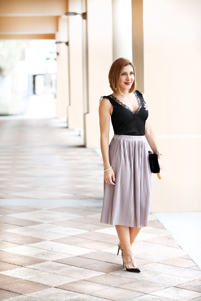 Blame-it-on-Mei-Miami-Fashion-Blogger-2016-Thanksgiving-Look-Holiday-Outfit-Pleated-Metallic-Midi-Skirt-Lace-Tank-Cami-YSL-Velvet-Handbag-Chanel-Pin-Brooch-Valentino-Rockstud-in-Black