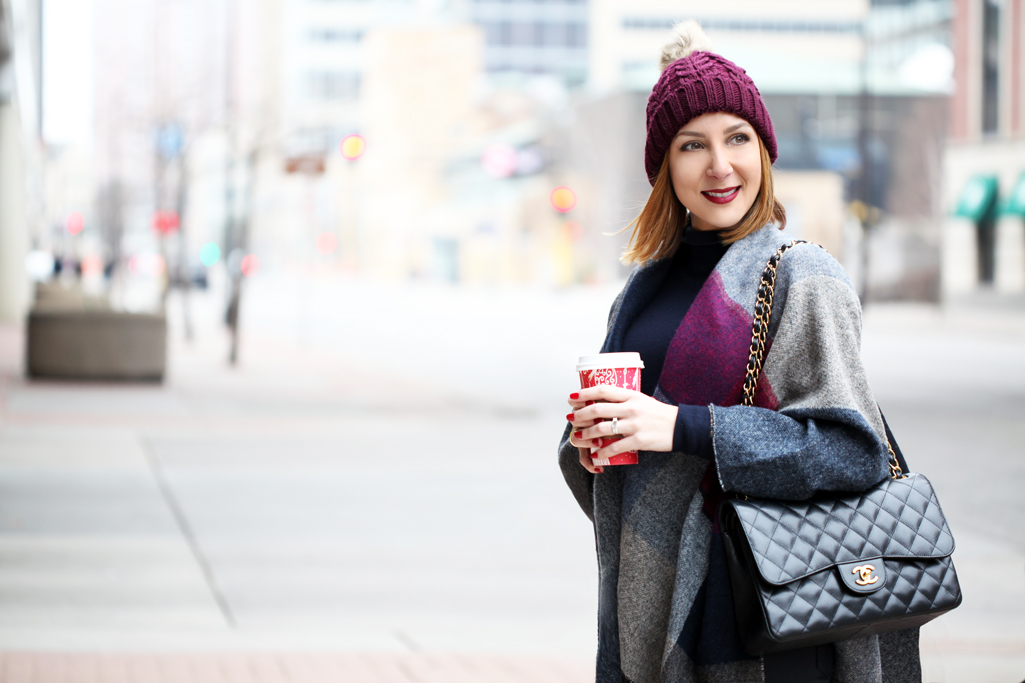 Blame-it-on-Mei-Miami-Fashion-Travel-Blogger-2016-Winter-Fall-Look-How-To-Wear-Poncho-Pom-Beanie-Gray-Over-The-Knee-Boots-with-Jeans-Geometric-Cape-Minneapolis