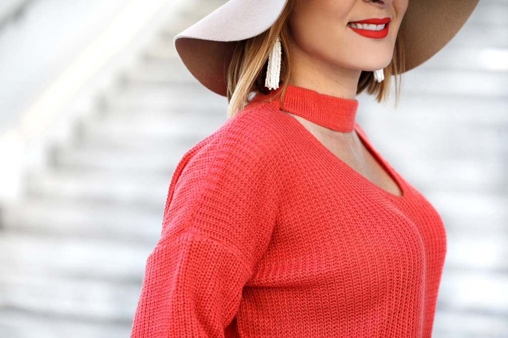 Blame-it-on-Mei-Miami-Fashion-Blogger-2017-Casual-Transition-Outfit-Fall-Look-Knit-Sweater-Choker-Olive-Green-Skinny-Pants-Louboutin-Decollete-Blush-Floppy-Hat-Pinata-Tassel-Earrings