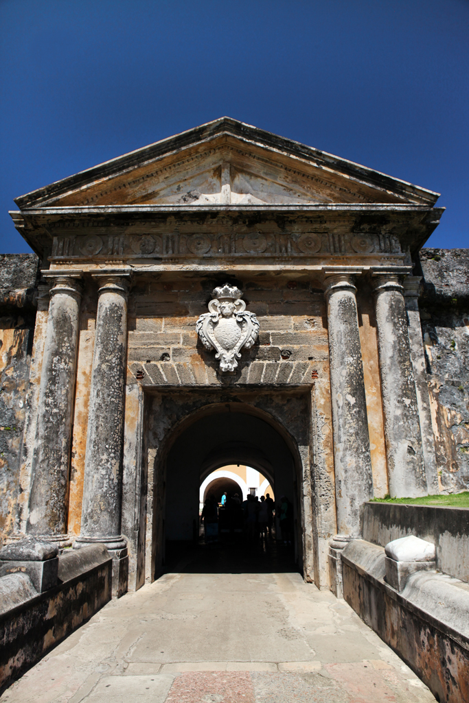 lame-it-on-Mei-Miami-Fashion-Blogger-Travel-Blog-2017-Felipe-Del-Morro-Citadel-Fortress-Puerto-Rico-Old-San-Juan