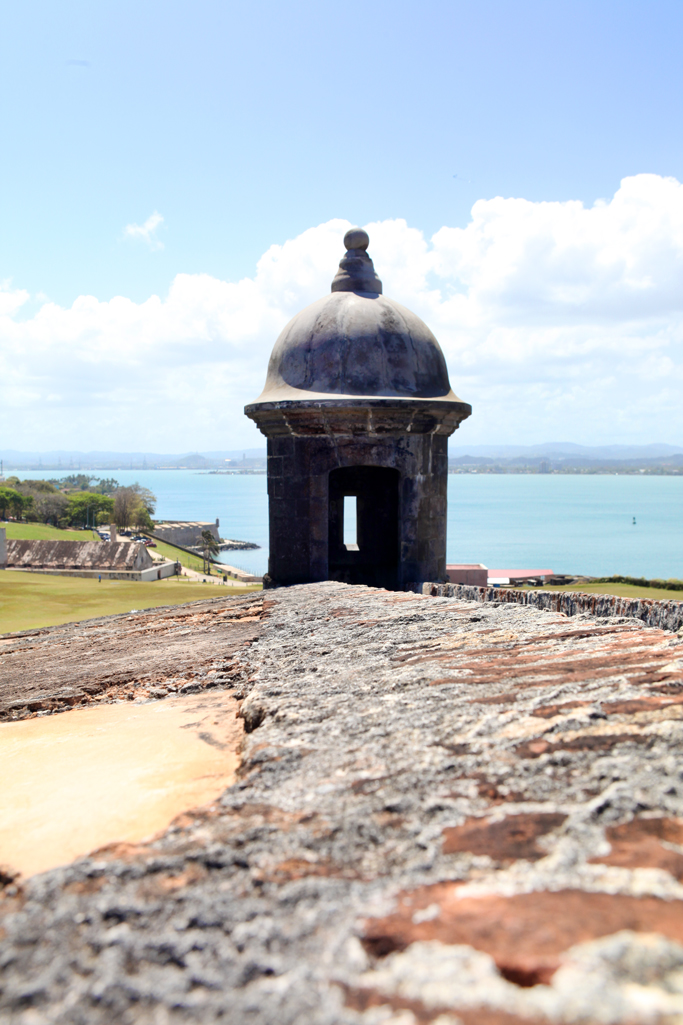 lame-it-on-Mei-Miami-Fashion-Blogger-Travel-Blog-2017-Felipe-Del-Morro-Citadel-Fortress-Puerto-Rico-Old-San-Juan