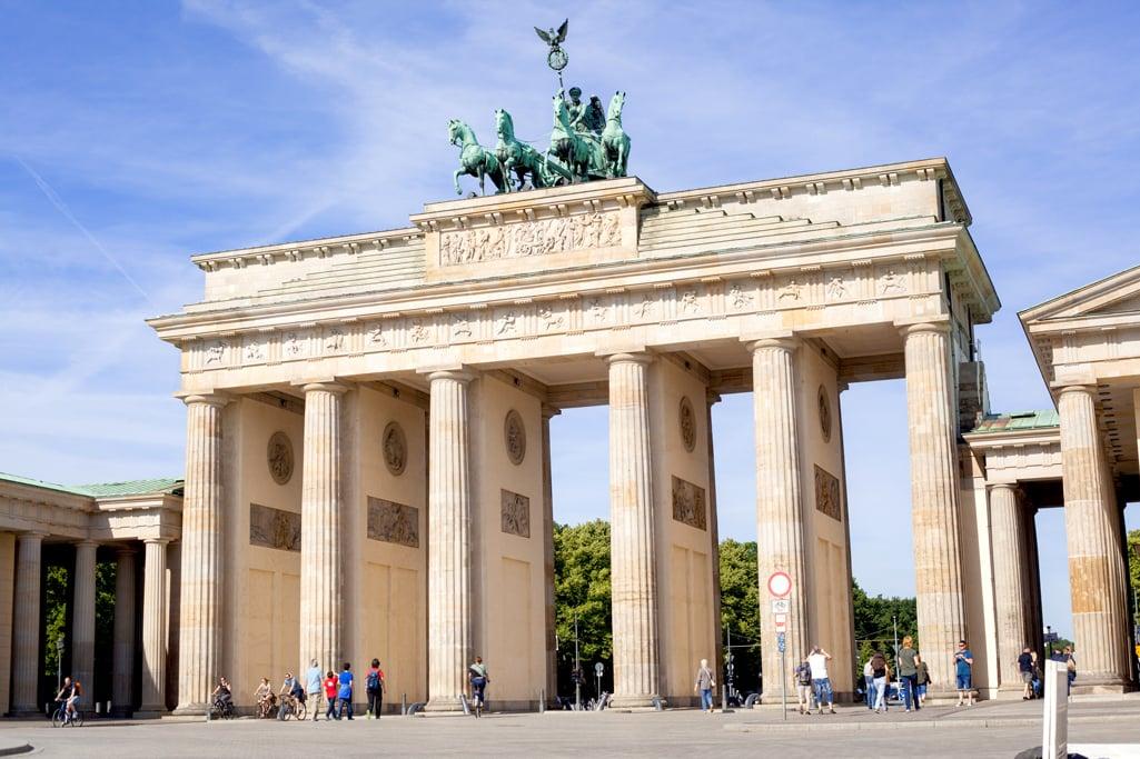 Blame it on Mei, @blameitonmei, Miami Fashion Blogger, Berlin Travel Look, Brandenburg Gate