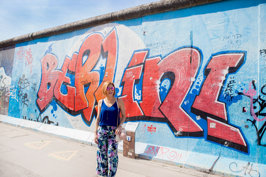 Blame it on Mei, @blameitonmei, Miami Fashion Blogger, Berlin Travel Look, Berlin Wall East Side Gallery