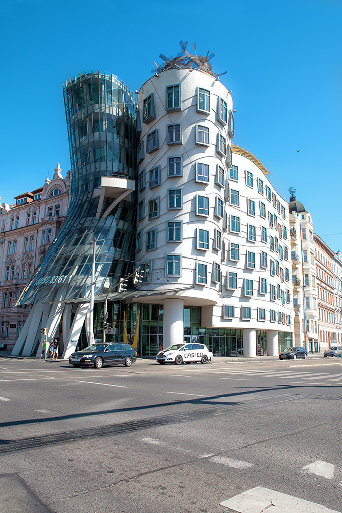 Blame it on Mei, @blameitonmei, Miami Travel Fashion Blogger, Summer Travel Look, Dancing House, Prague, Czech Republic