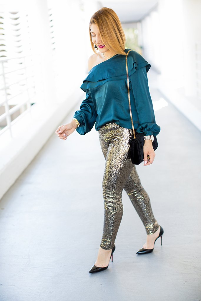 Blame it on Mei, @blameitonmei, Miami Fashion Blogger, Holiday Look, How To Wear Style Sequin Leggings Pants