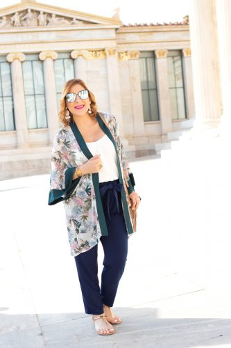 Blame it on Mei, @blameitonmei, Miami Fashion Blogger, Floral Kimono, Greece Travel Look, Summer Maternity Outfit