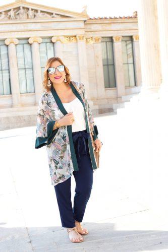 Blame it on Mei, @blameitonmei, Miami Fashion Blogger, Floral Kimono, Greece Travel Look, Summer Maternity Outfit