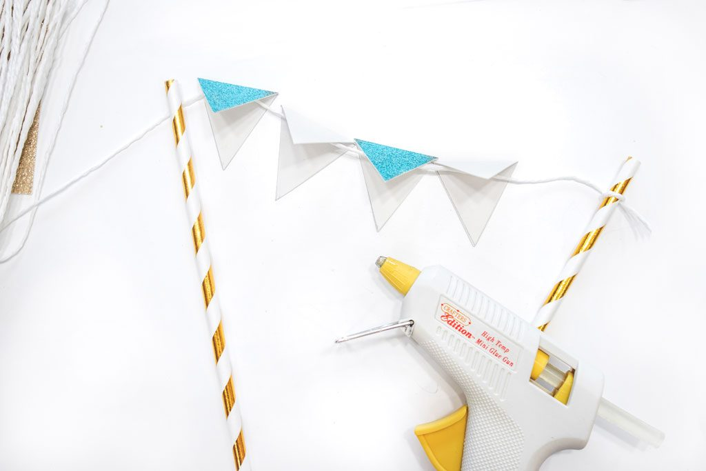 Blame it on Mei, @blameitonmei, Miami Fashion Mom Blogger, DIY cake topper, How to bunting banner